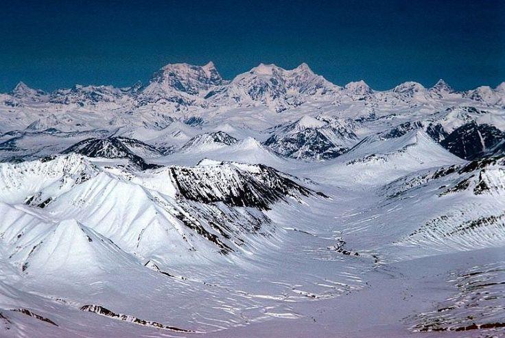 800px-Alaska_mountain_range